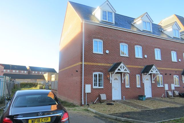 Town house for sale in Kiln Court, Kirk Sandall, Doncaster