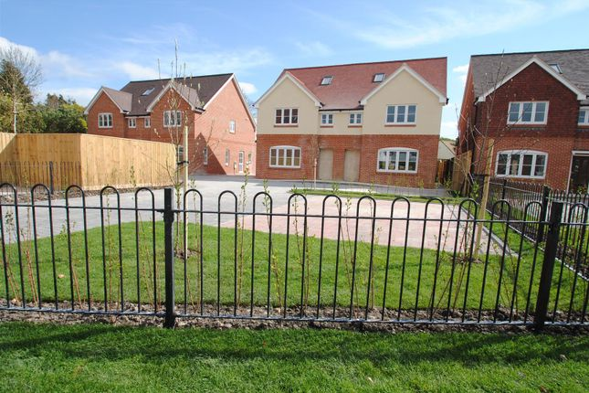Thumbnail Semi-detached house for sale in Foliat Drive, Wantage