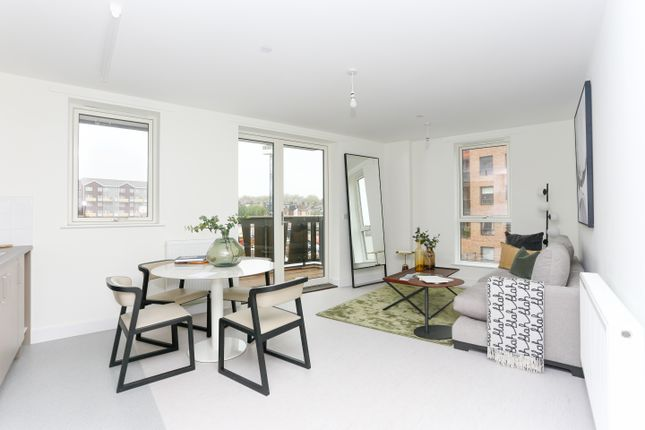 3 bed flat for sale in Troubridge Square, Walthamstow E17