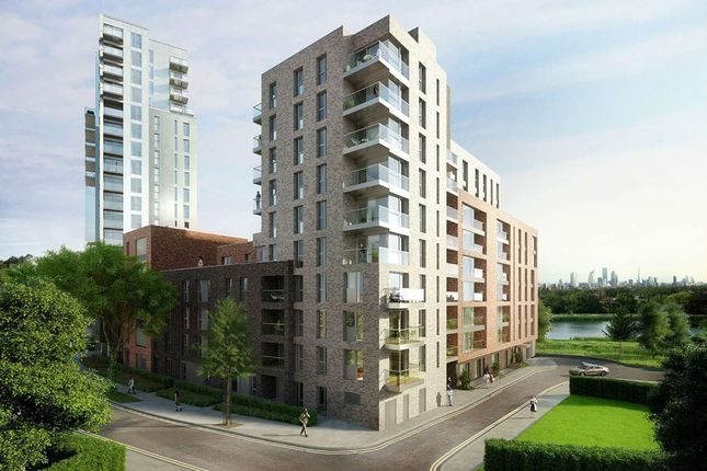 Thumbnail Flat for sale in Skylark Point, Woodberry Grove, London