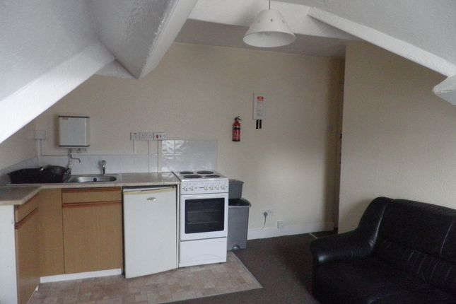 Thumbnail Flat to rent in Brighton Road, Rhyl