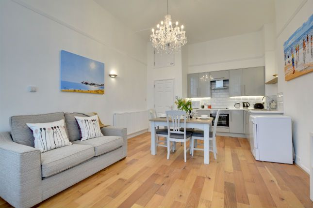 Thumbnail Flat to rent in St Aubyns, Hove