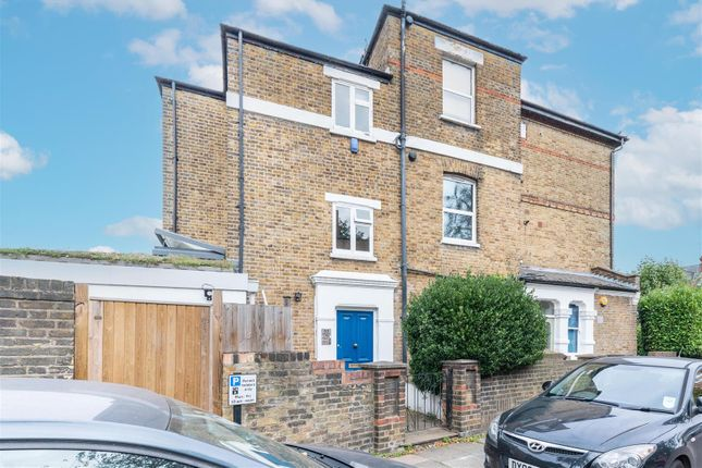 3 bed flat for sale in Middle Lane, Crouch End N8