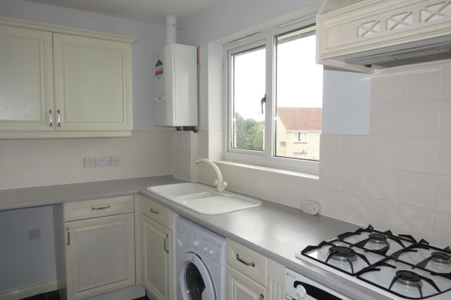 Thumbnail Flat to rent in Newbury Avenue, Calne