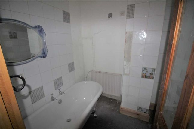 Bathroom of King Street, Hebden Bridge HX7