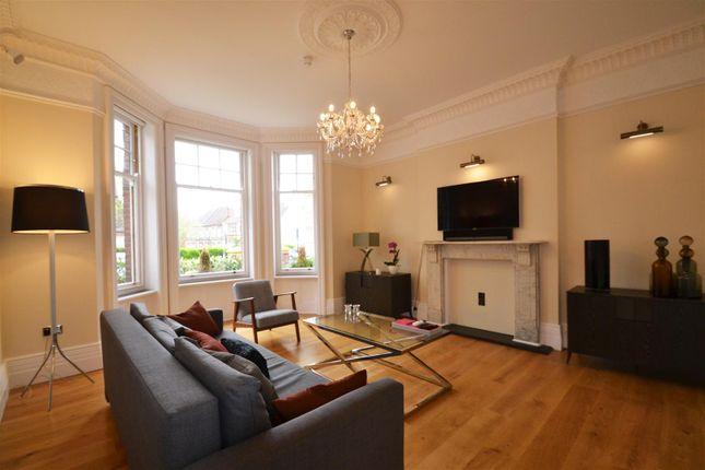3 bed flat to rent in Wilbury Villas, Hove BN3