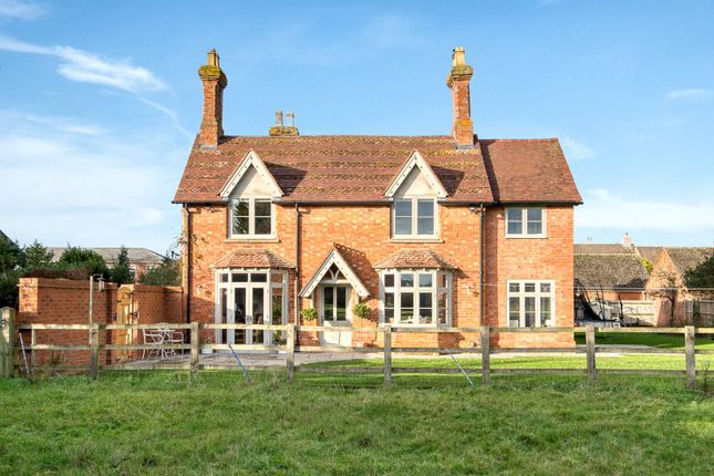Thumbnail Detached house for sale in Lowes Lane, Wellesbourne, Warwick, Warwickshire