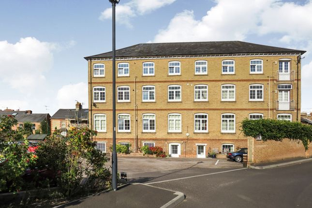 Thumbnail Flat for sale in Richmond Road, Taunton