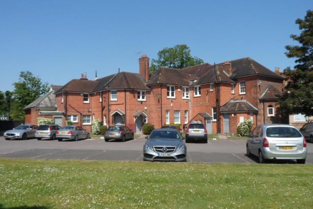Office to let in Old School Studios, Farnborough, Hampshire