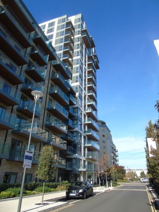 Thumbnail Flat for sale in Beaufort Square, Colindale