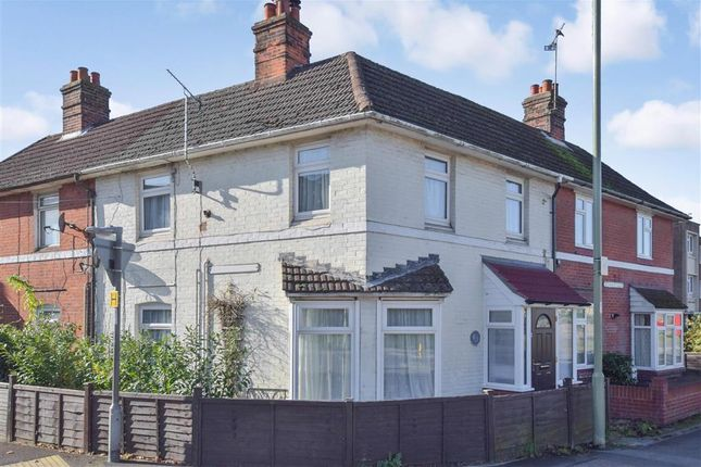 Thumbnail Terraced house for sale in Winchester Road, Petersfield, Hampshire