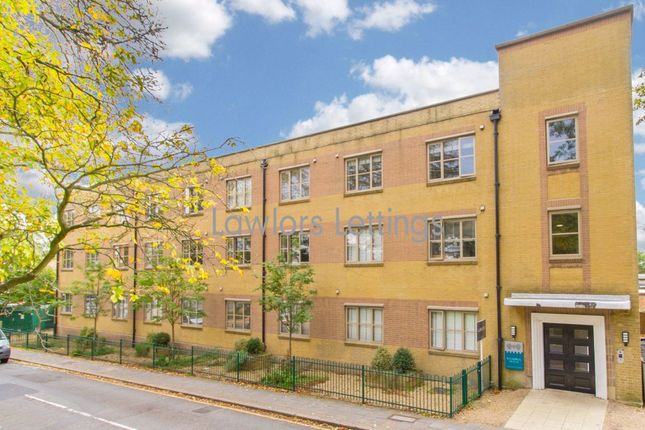 1 bed flat to rent in Balmoral House, Charteris Road, Woodford Green IG8