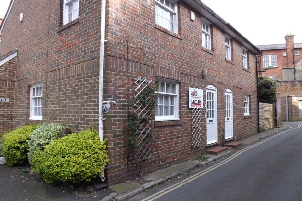 Thumbnail Property to rent in Castle Ditch Lane, Lewes