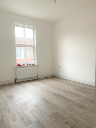 Terraced house to rent in Leonard Road, London