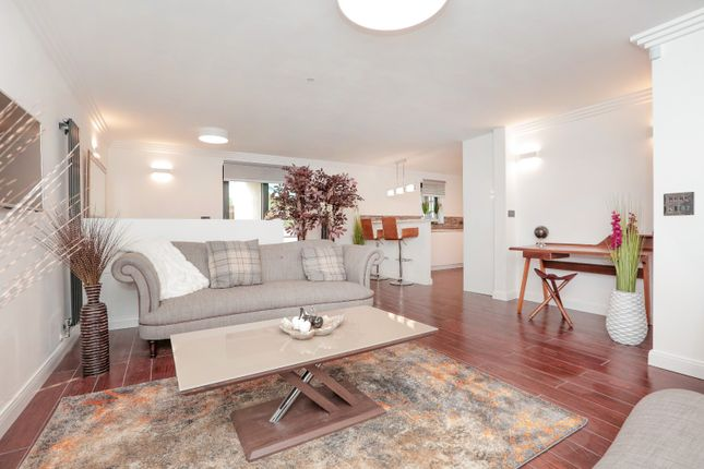 Thumbnail Flat for sale in 125D Jeanfield Road, Perth