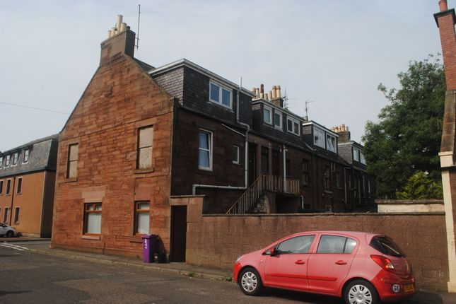 Thumbnail Flat to rent in Queen Street, Arbroath