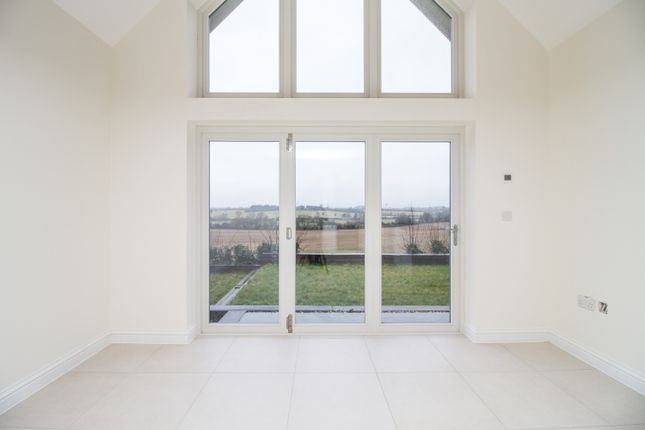 Thumbnail Property to rent in Popes Piece, Burford Road, Witney