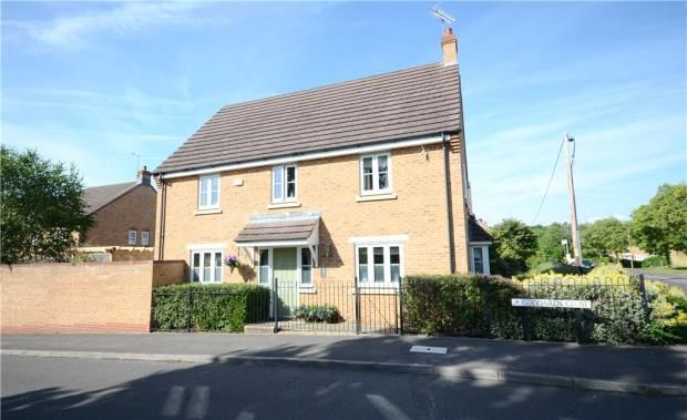 Thumbnail Detached house for sale in Goddards Close, Farnborough, Hampshire