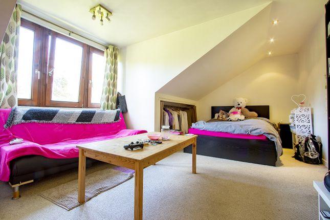 Bed/Living of Tippett Rise, Reading, Berkshire RG2