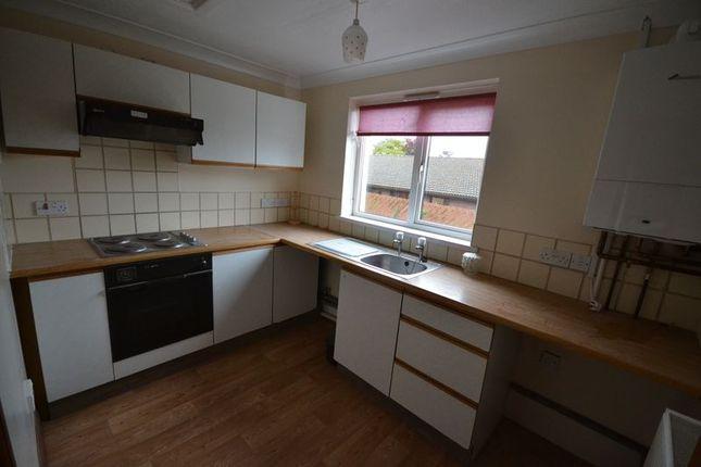 Thumbnail Flat to rent in Francis Terrace, Carmarthen