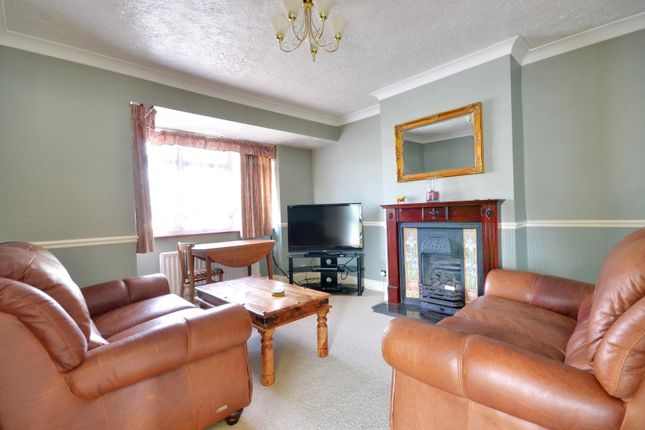 Thumbnail Maisonette to rent in Balmoral Drive, Hayes, Middlesex