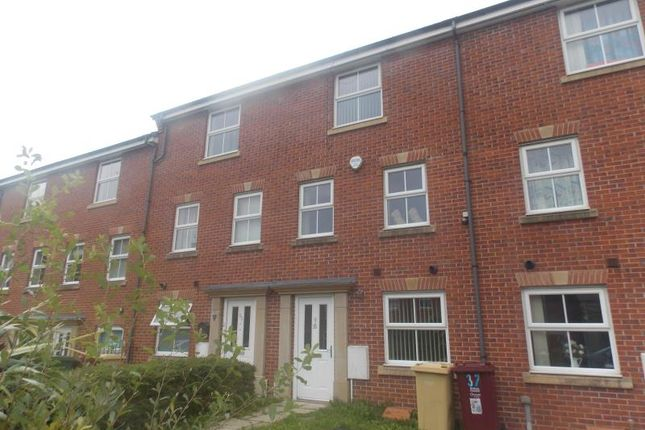 Thumbnail Town house to rent in Ramswell Close, Bolton