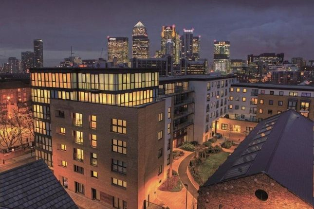 Thumbnail Flat for sale in 1 Forge Square, London