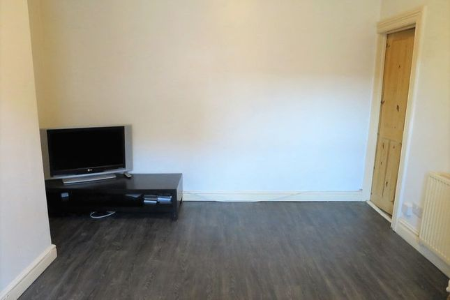 Thumbnail Property to rent in Clough Street, Morley, Leeds