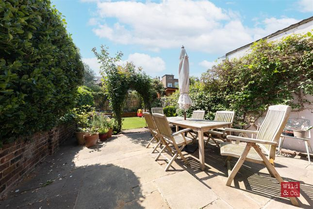 Thumbnail Property for sale in Walford Road, London