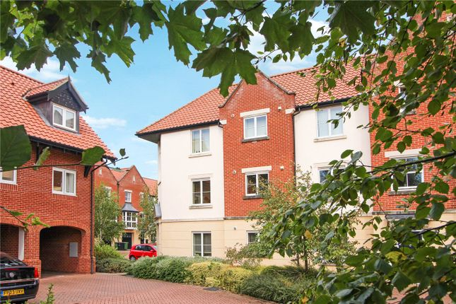 Thumbnail Flat for sale in Hamilton Court, Trafalgar Square, Poringland, Norwich