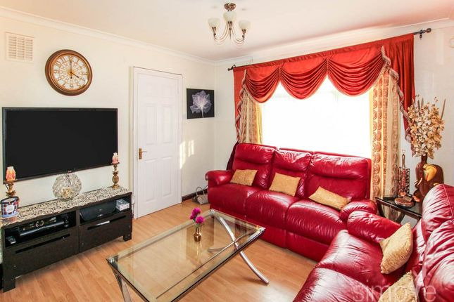 Thumbnail Property to rent in Norwood Gardens, Hayes, Middlesex