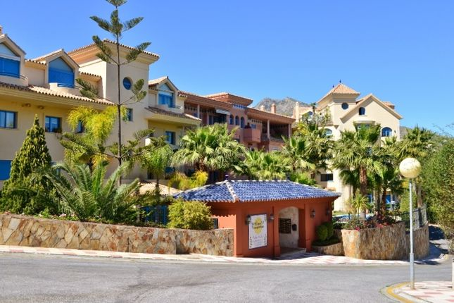 3 bed apartment for sale in Calle Vela, Torrequebrada, Benalmádena, Málaga, Andalusia, Spain