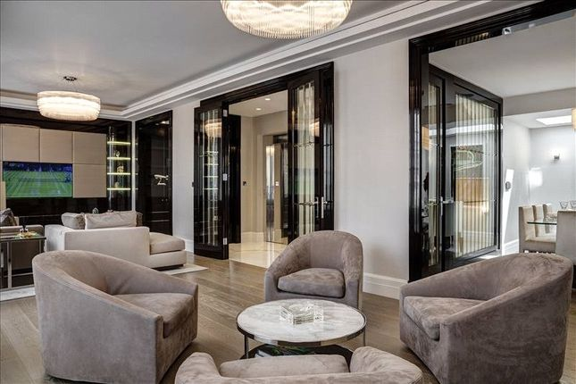 Thumbnail Terraced house for sale in South Street, Mayfair, London