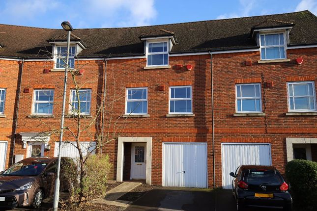 Thumbnail Terraced house to rent in White Lodge Close, Isleworth