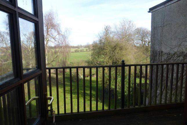 Thumbnail Flat to rent in Inglesham, Swindon