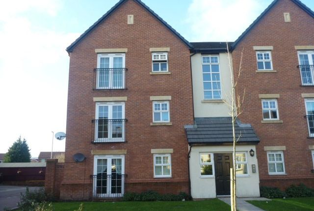 Thumbnail Flat to rent in Newbold Hall Drive, Rochdale