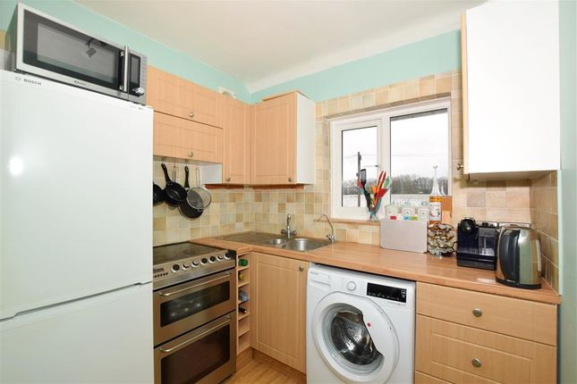 Thumbnail Maisonette for sale in Grange Close, Leybourne, West Malling, Kent