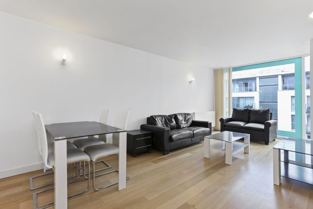 Thumbnail Flat to rent in Station Approach, Hayes