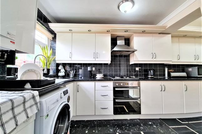 Thumbnail Terraced house to rent in Park Avenue, Southall - Ealing