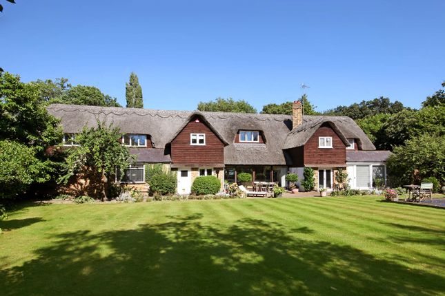 Thumbnail Detached house to rent in Fulmer Lane, Gerrards Cross