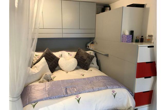 Bedroom of 28 Lethington Avenue, Glasgow G41