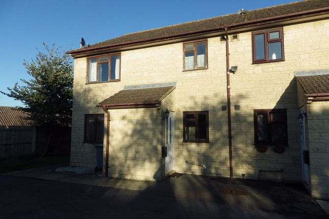 Thumbnail Flat to rent in Hill View, Carterton, Oxfordshire