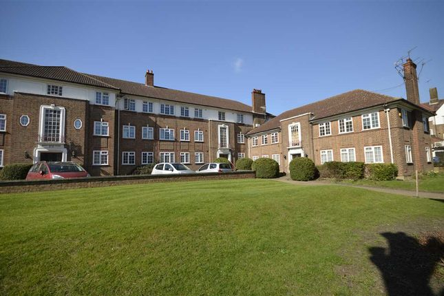 Thumbnail Flat to rent in Arnos Grove Court, Arnos Grove, London