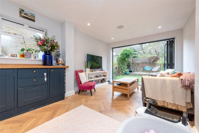 2 bed flat for sale in Burrows Road, London NW10