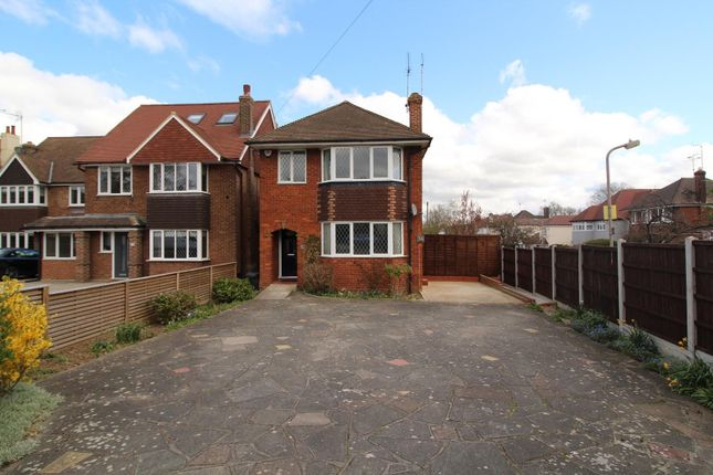 3 bed detached house to rent in Crossways, Shenfield, Brentwood, Essex CM15