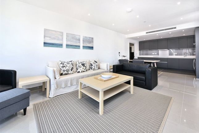 Thumbnail Flat to rent in Conquest Tower, 130 Blackfriars Road, London