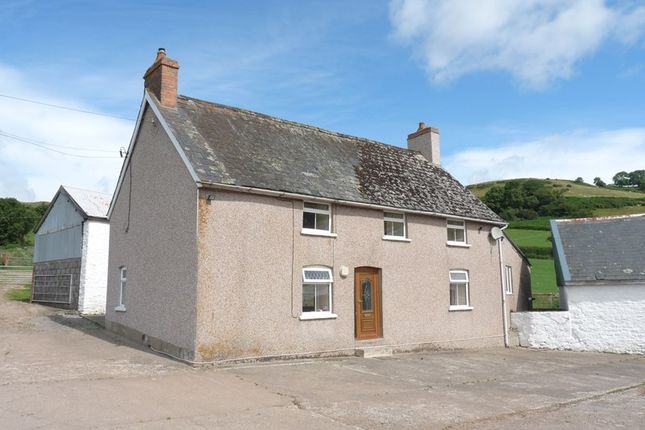 Thumbnail Detached house to rent in Pontfaen, Brecon