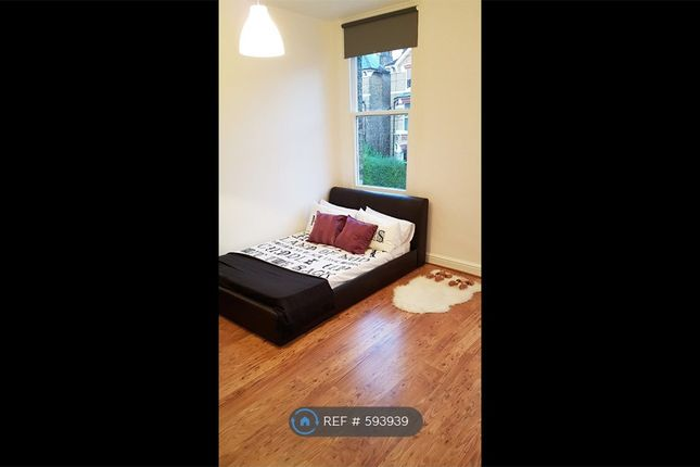 Thumbnail Studio to rent in Montrell Road, London