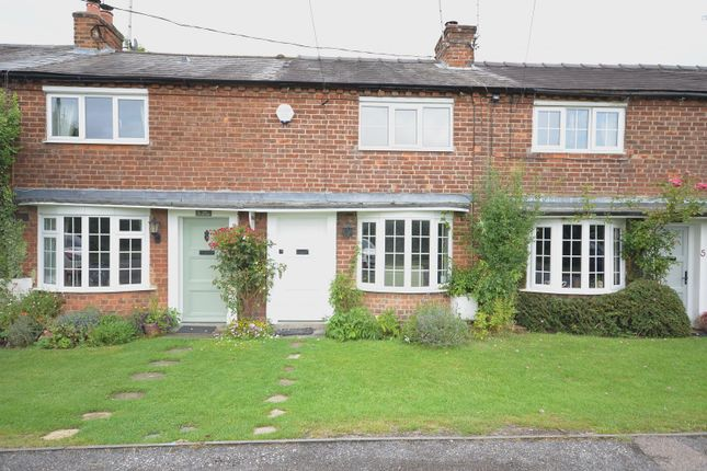 Thumbnail Cottage to rent in Chalkshire Cottages Chalkshire Road, Butlers Cross, Aylesbury