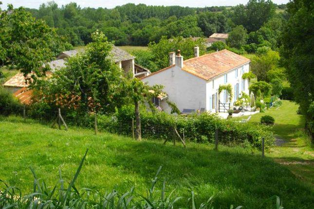 4 bed detached house for sale in 85240, Vendée, Loire, France